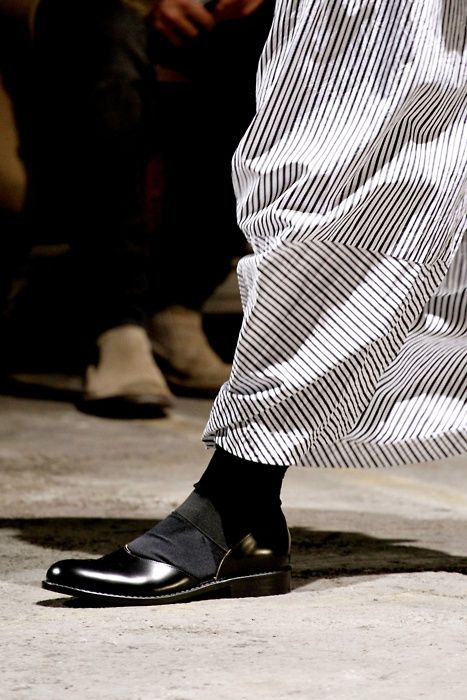 thedoppelganger: Comme des Garçons Spring 2011 Ready to Wear