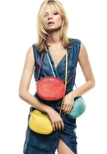 Beautiful, easy to carry bags by Mango: mix and match with everyday summer clothes!