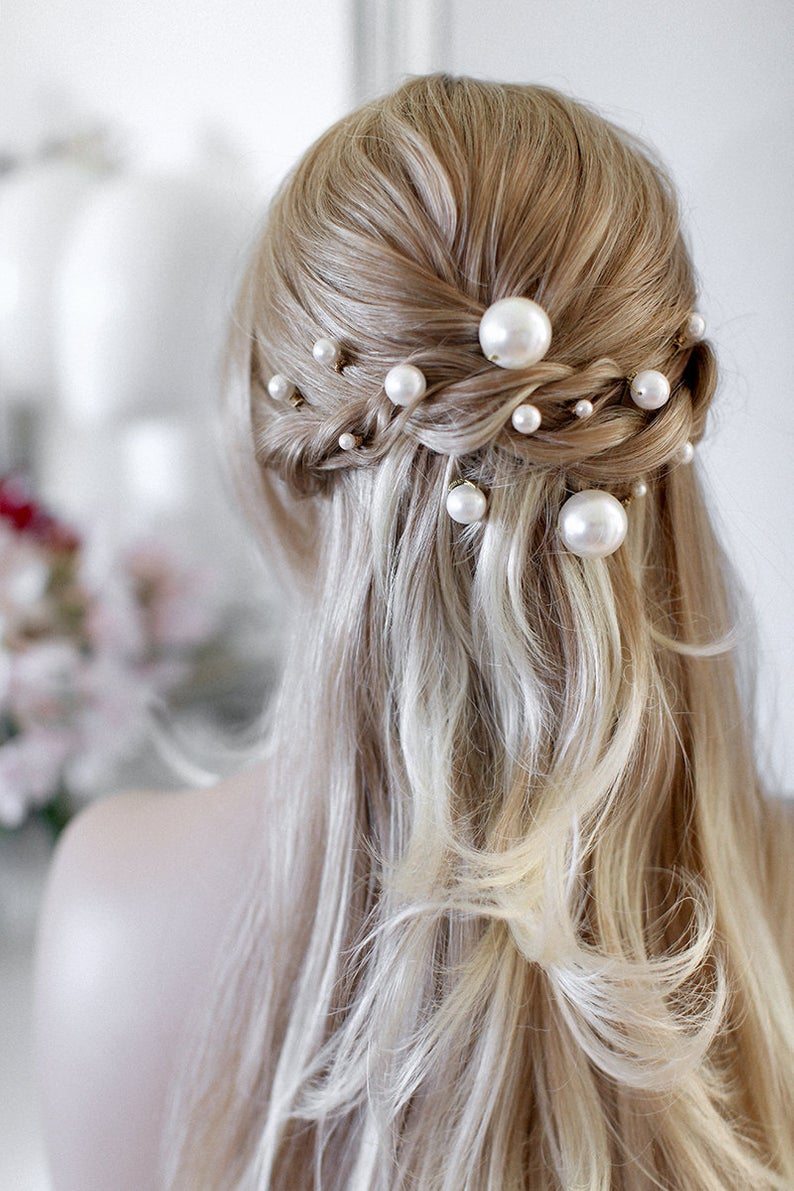Carla | Bridal Hair Pins, Pearl Hairpin, Bridal Pearls, Pearls Hair pins, Bridal Comb, Pearls Headpiece, JONIDA RIPANI - Made in Italy #bridalhair