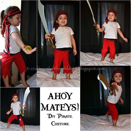 Homemade No Sew Pirate Costume for Kids {Pretend Play} #diypiratecostumeforkids