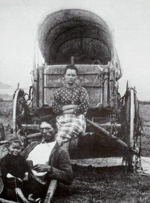 Oregon Trail pioneers during their journey, 1860s.