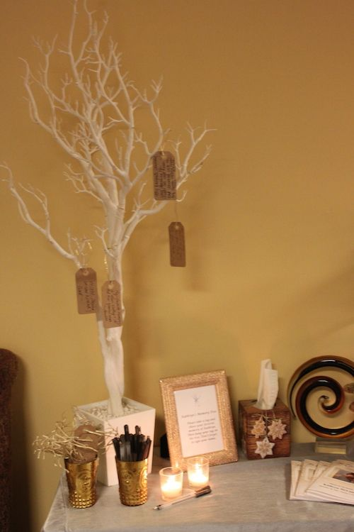 Celebration Of Life Memory Tree Thought This Was A Great Idea Simple Yet Effective