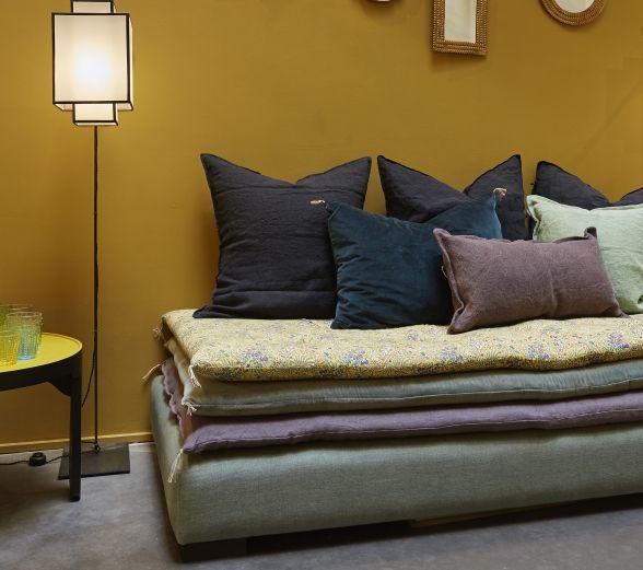 caravane princesse divan 3 matelas maison bardage bois couleur pinterest caravane. Black Bedroom Furniture Sets. Home Design Ideas