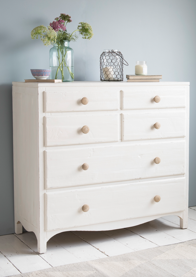 Loafu0027s Simple White Chest Of Drawers With Natural Wooden Handles And Heaps  Of Storage Space In This Coastal Bedroom