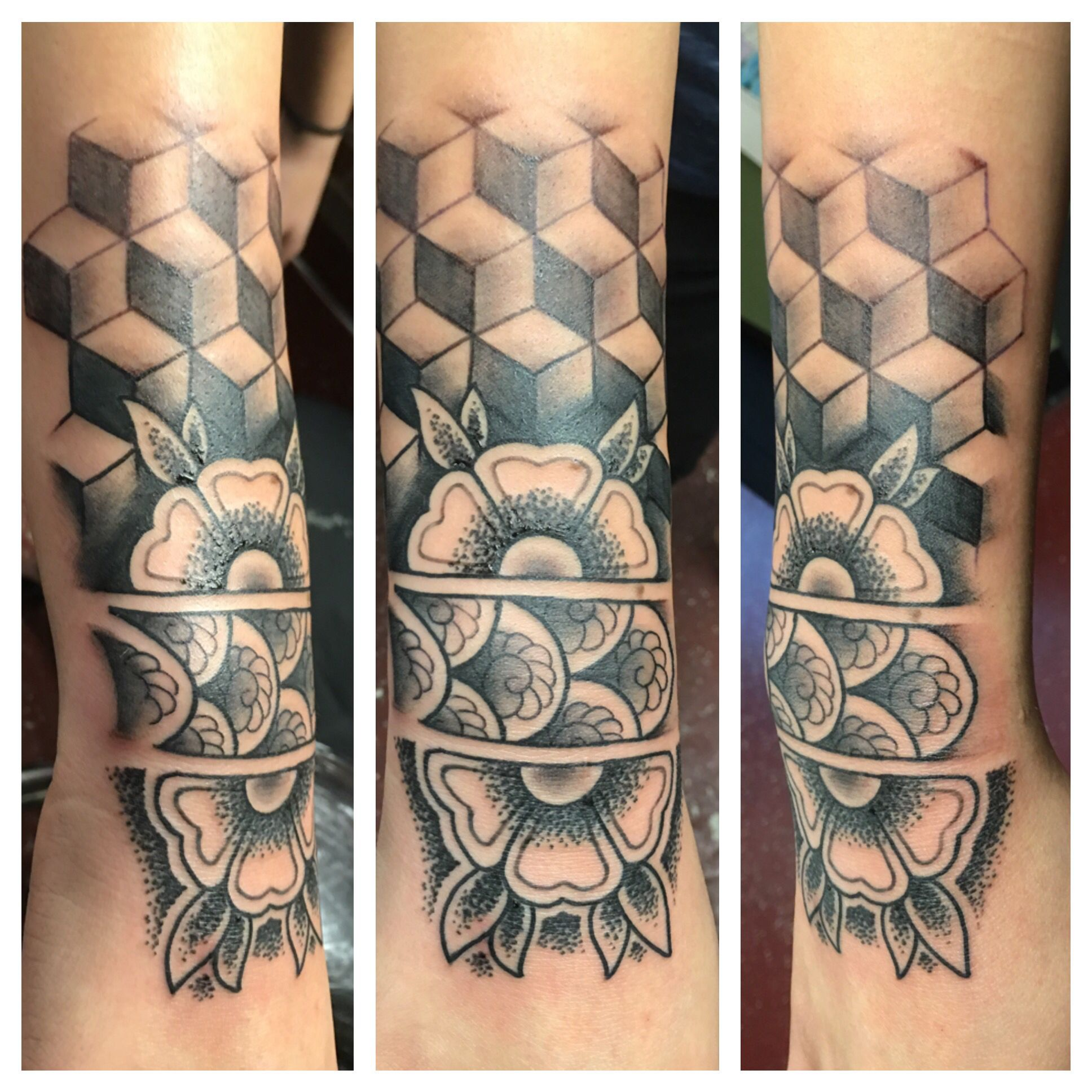 Mandala sacred geometry tattoo @robert_tattooer