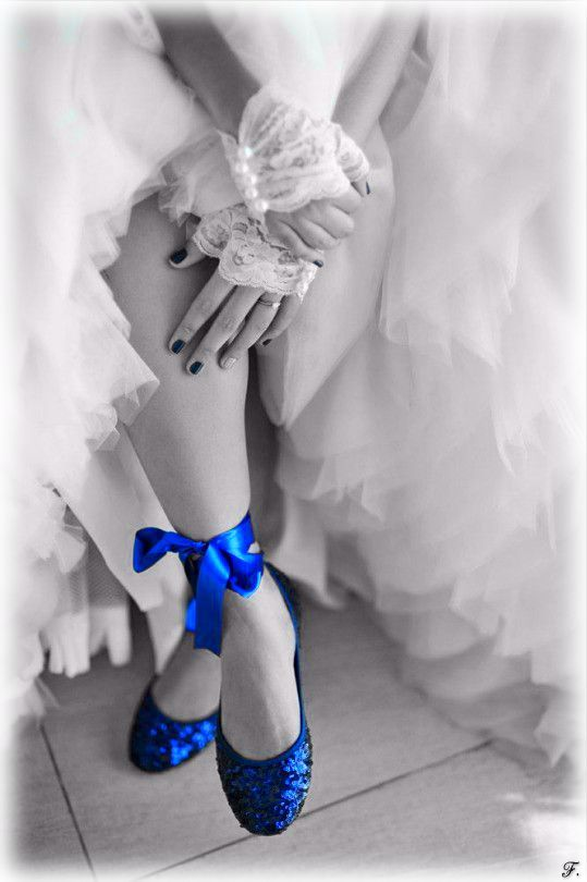 ♥♫♪ a touch of blue a touch of color pinterest colour splash photography and splash photography