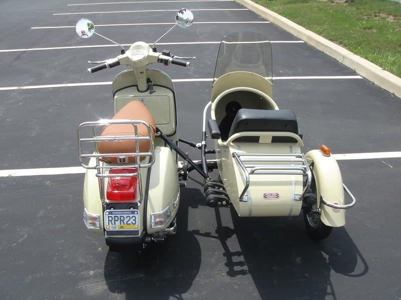 Modern Vespa : PX200 with Sidecar   Vespa, Vespa vintage