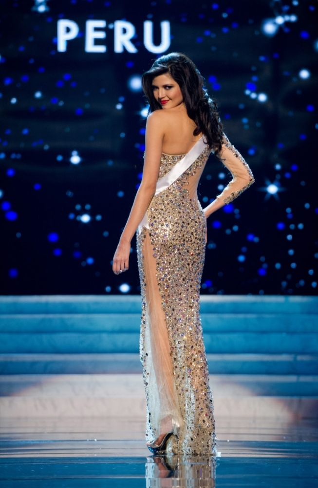 bb9742a25c020 Evening gown from LA CASA HERMOSA of Wellington for Miss Universe Peru 2012
