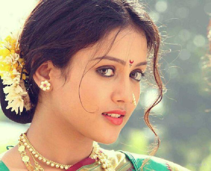 Kaanchi-Movie Wallpaper,mishti in marathi look