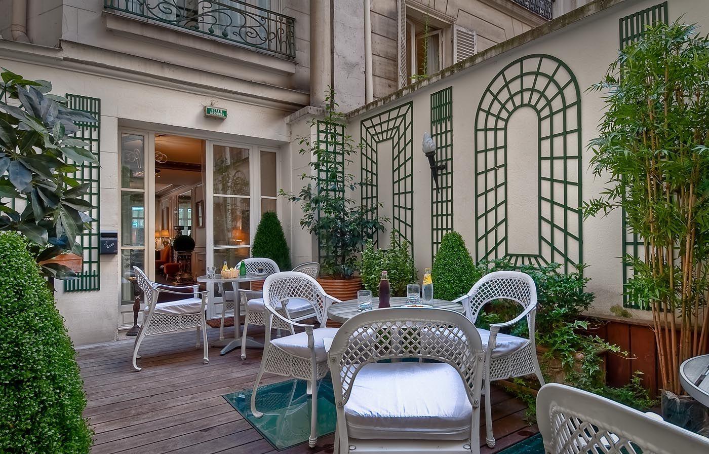 Hotel paris elys es ceramic recep o de hotel de charme for Paris hotel de charme