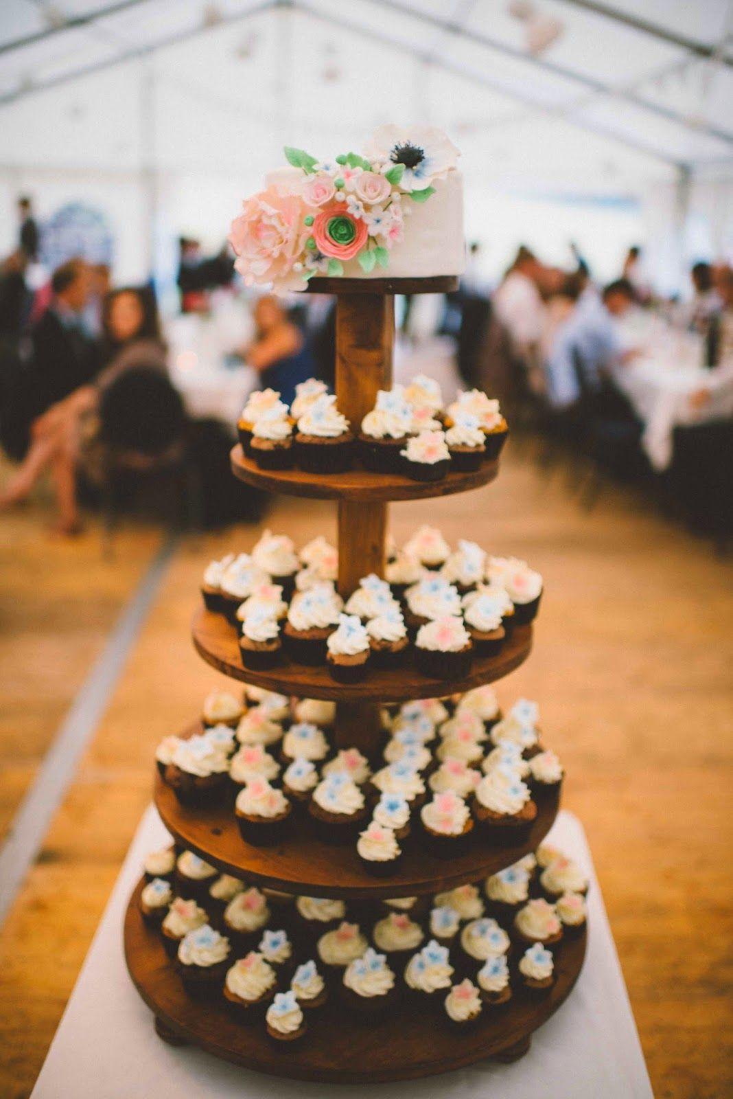 Sommerliche Hochzeitstorte Mit Cupcakes Wedding Ideas Pinterest
