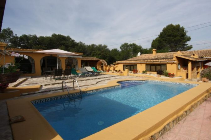 Finca In Jalon Valley 5 Bedrooms Ref J201519a Places To Go Valley Places