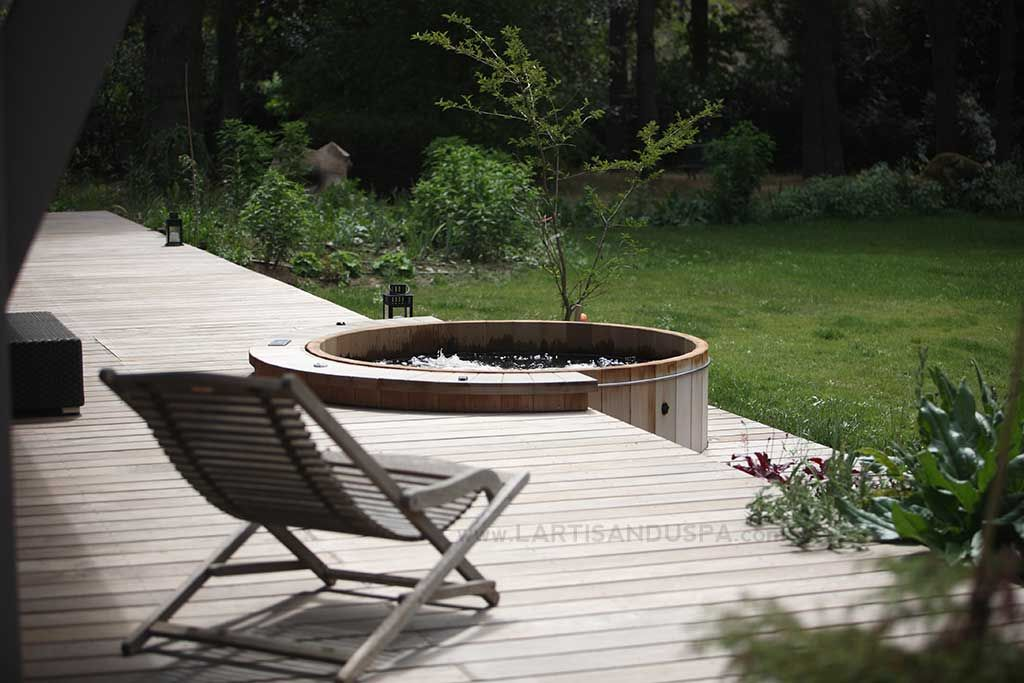 Image result for spa de terrasse bois Contemporary houses - construire sa terrasse en bois soimeme