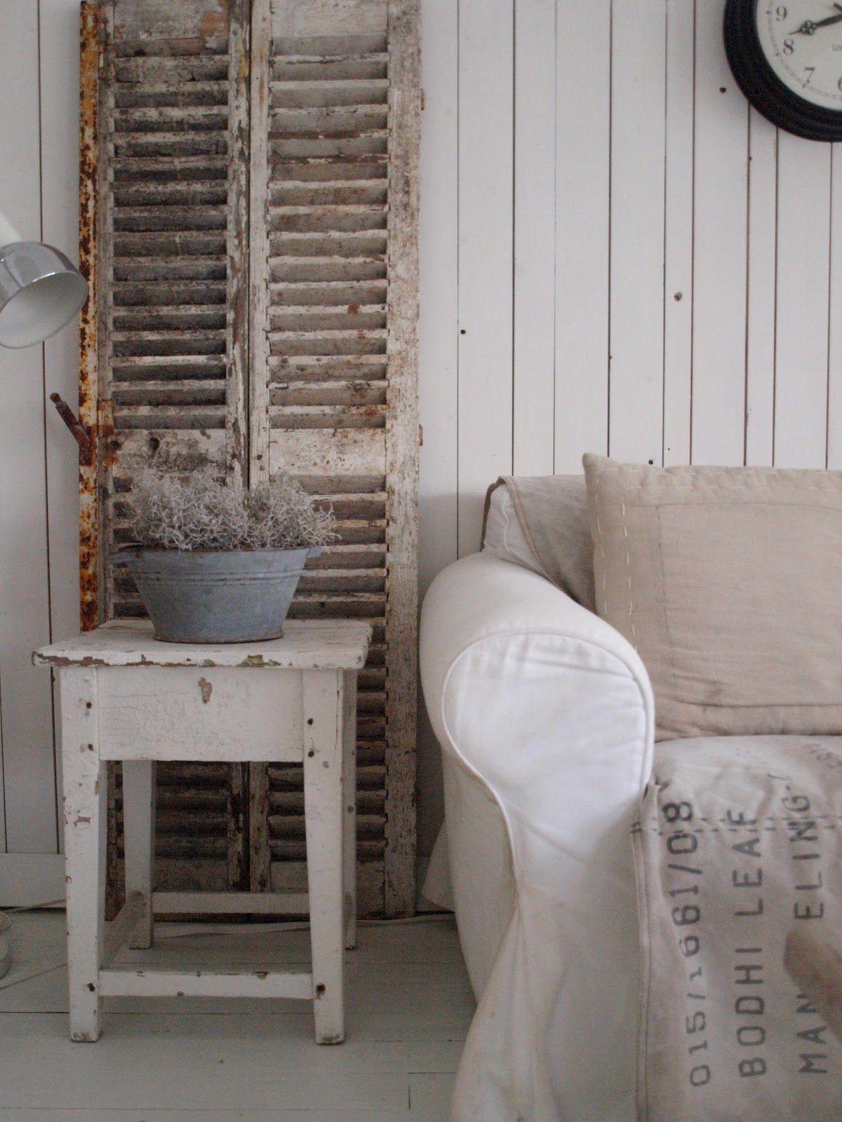 voil comment recycler les anciens volets int rieurs pinterest comment recycler volets. Black Bedroom Furniture Sets. Home Design Ideas