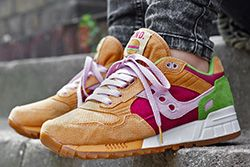 END. x SAUCONY SHADOW 5000 BURGER – EUROPEAN RELEASE - Sneaker