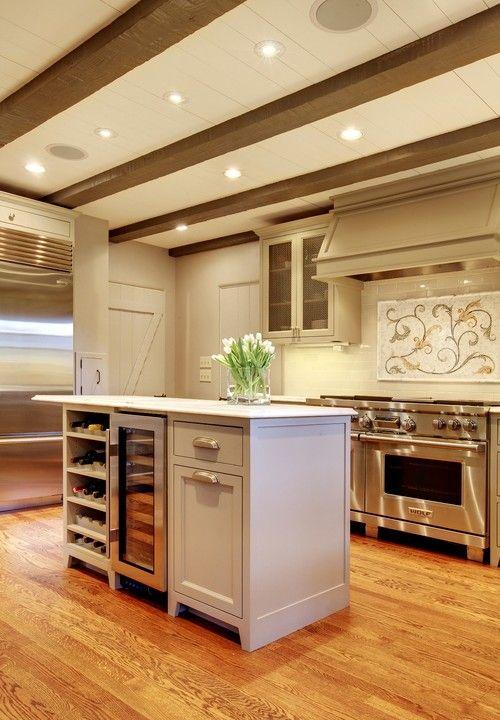 Diese Nackte Farbige Kücheninsel Macht Sich Für Seine Geringe Größe Durch  Seine Funktionalität Foto Von McKinney Group, Inc