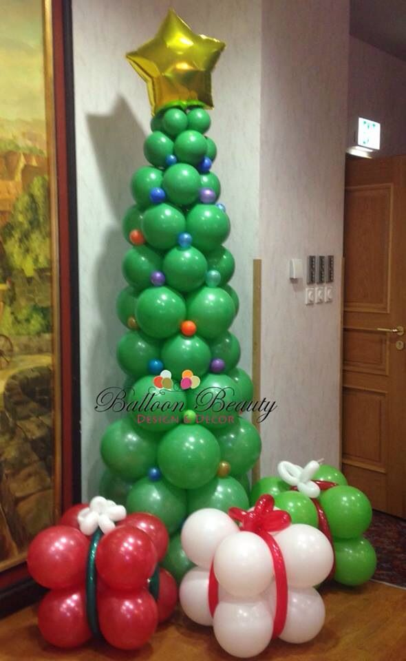 christmas tree balloon decor balloon decor christmas balloons rh pinterest com balloon ideas for christmas balloon decorations for christmas party