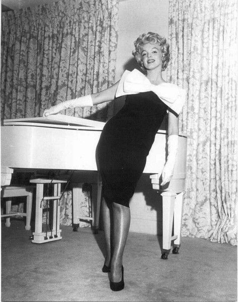 Marilyn Monroe's white piano that Mariah Carey purchased at the 1999 Christie's auction of Marilyn's personal belongings.