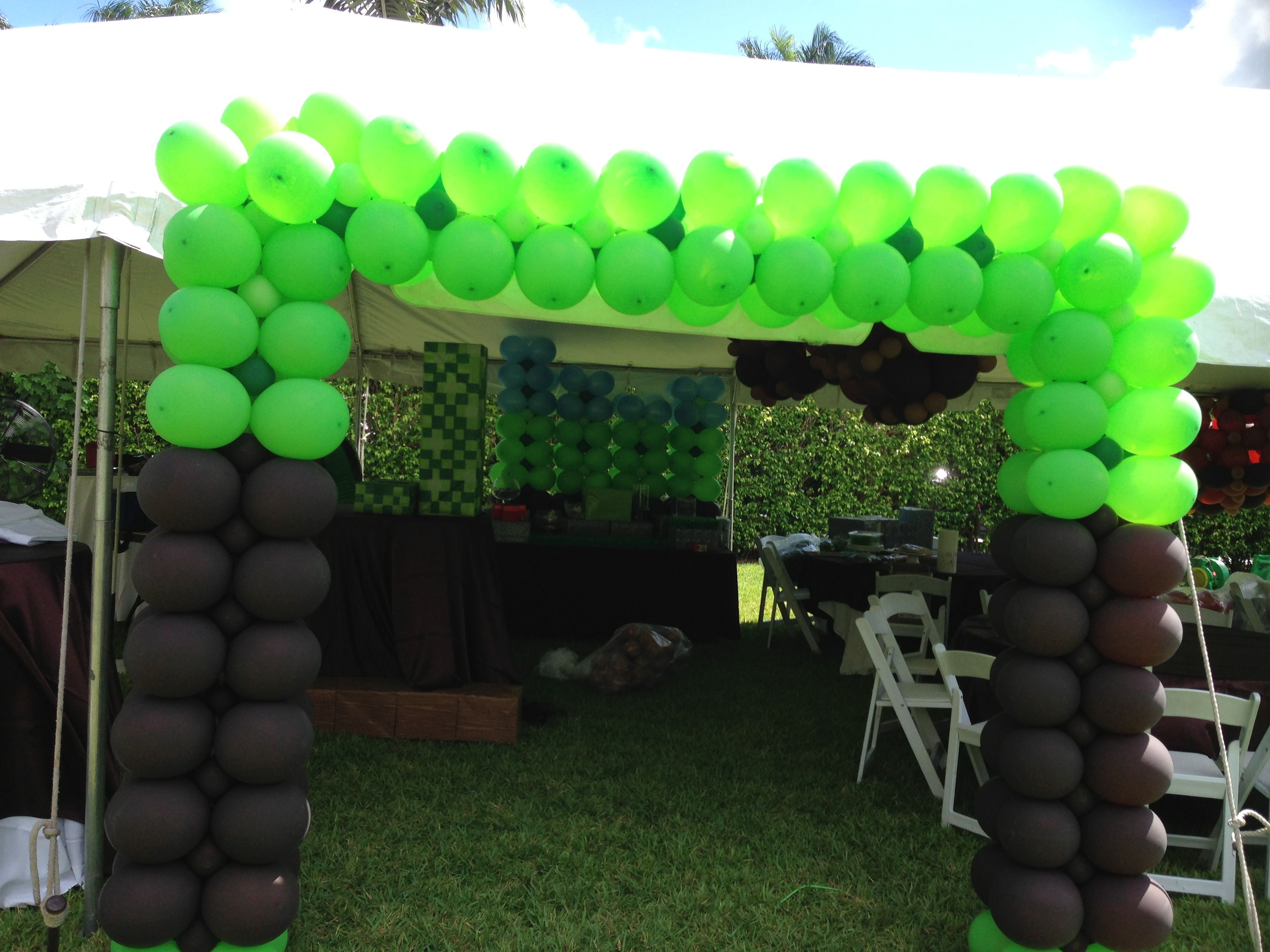Minecraft Theme party  Balloon Arch  www dreamarkevents com