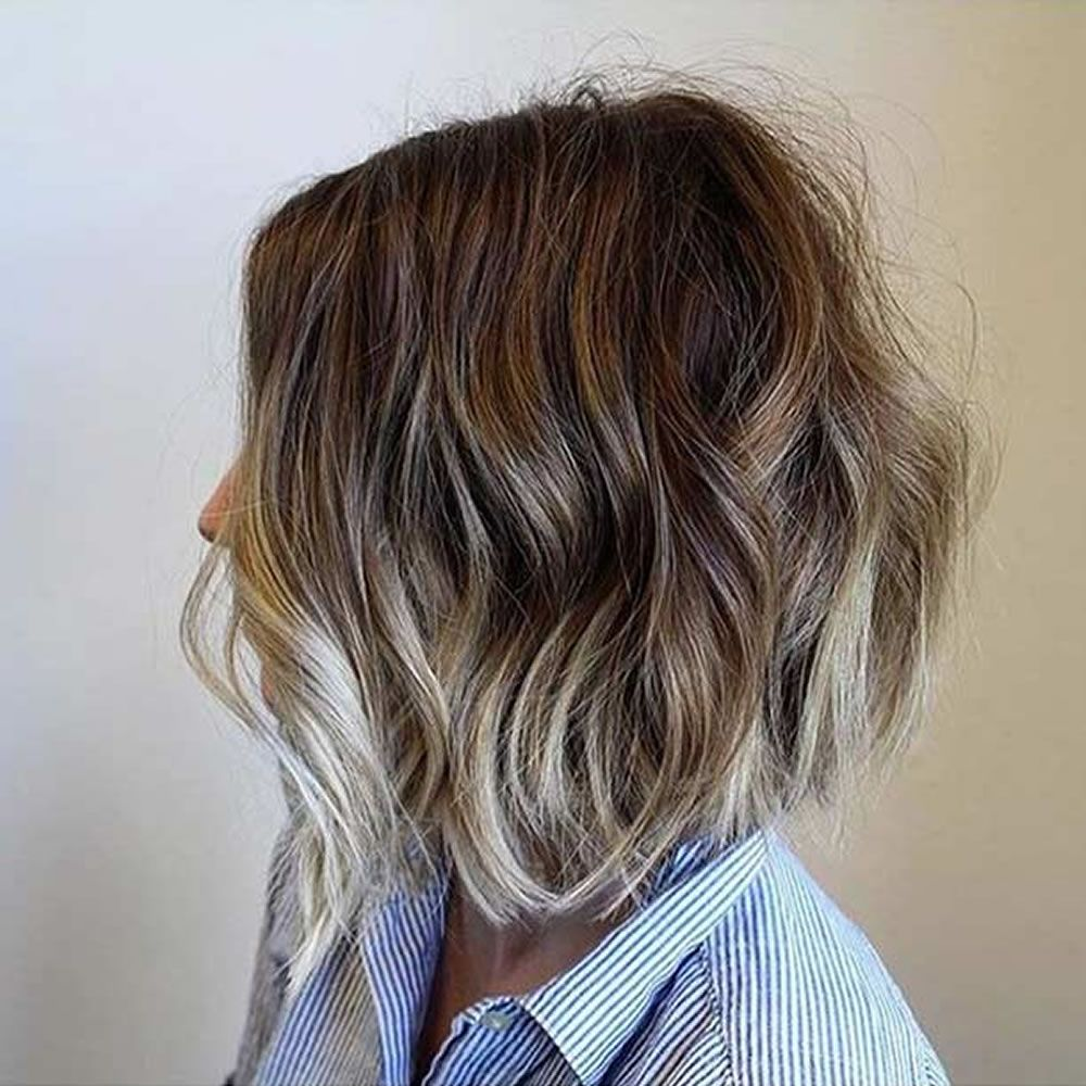 Fraulich Frisuren Fur Die Frau Balayage Kurze Haare Kurze Haarfarbe Balayage Haare Blond