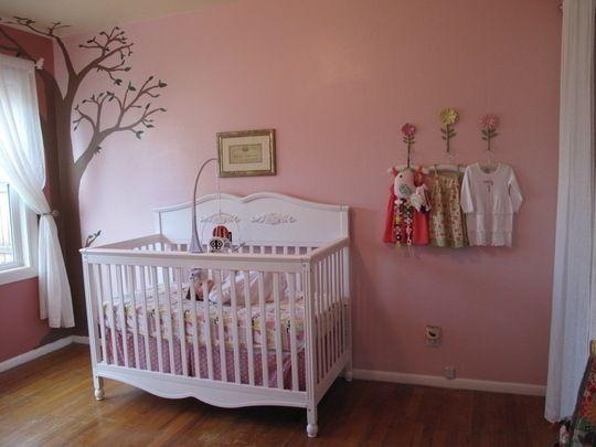 Habitación de bebé en rosa y dorado   Habitacion bebe niña ...