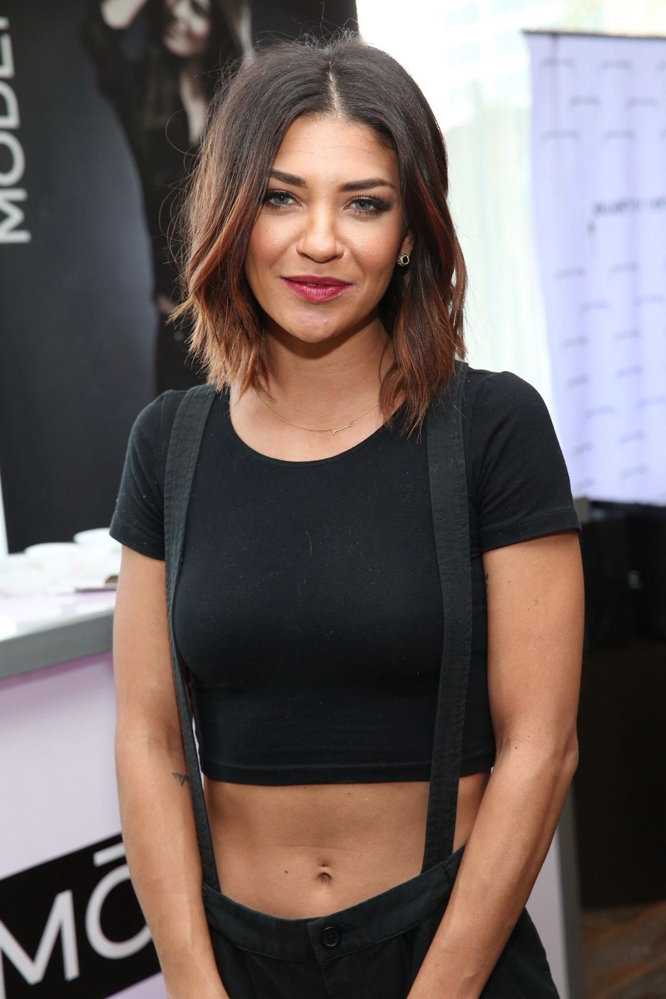 Anyone guilty of loving Gossip Girl? We are and we love Jessica Szohr at the Oscar Style Lounge gifting suite.