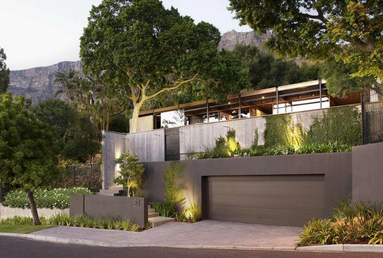 Beton Garage Prefab : Garage eingang mauer bepflanzung beton #dream #house #mountain
