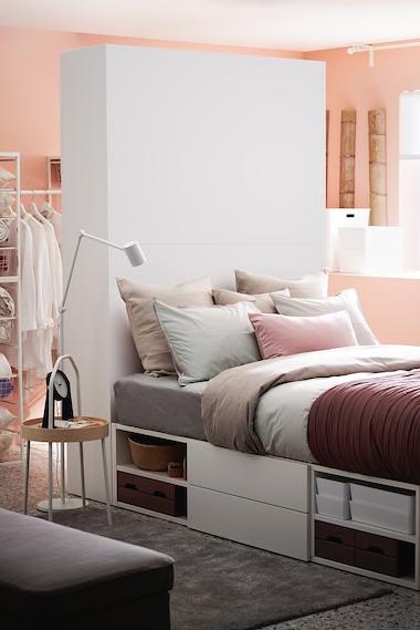 Platsa Bettgestell Mit 2 Turen 3 Schubl Weiss Fonnes Ikea Deutschland Raumteiler Einzimmerwohnung Einrichten Bettgestell