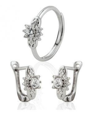 d25bd728b70e Juego de pendientes y anillo en Plata de Primera Ley para niña. Conjunto  perfecto para