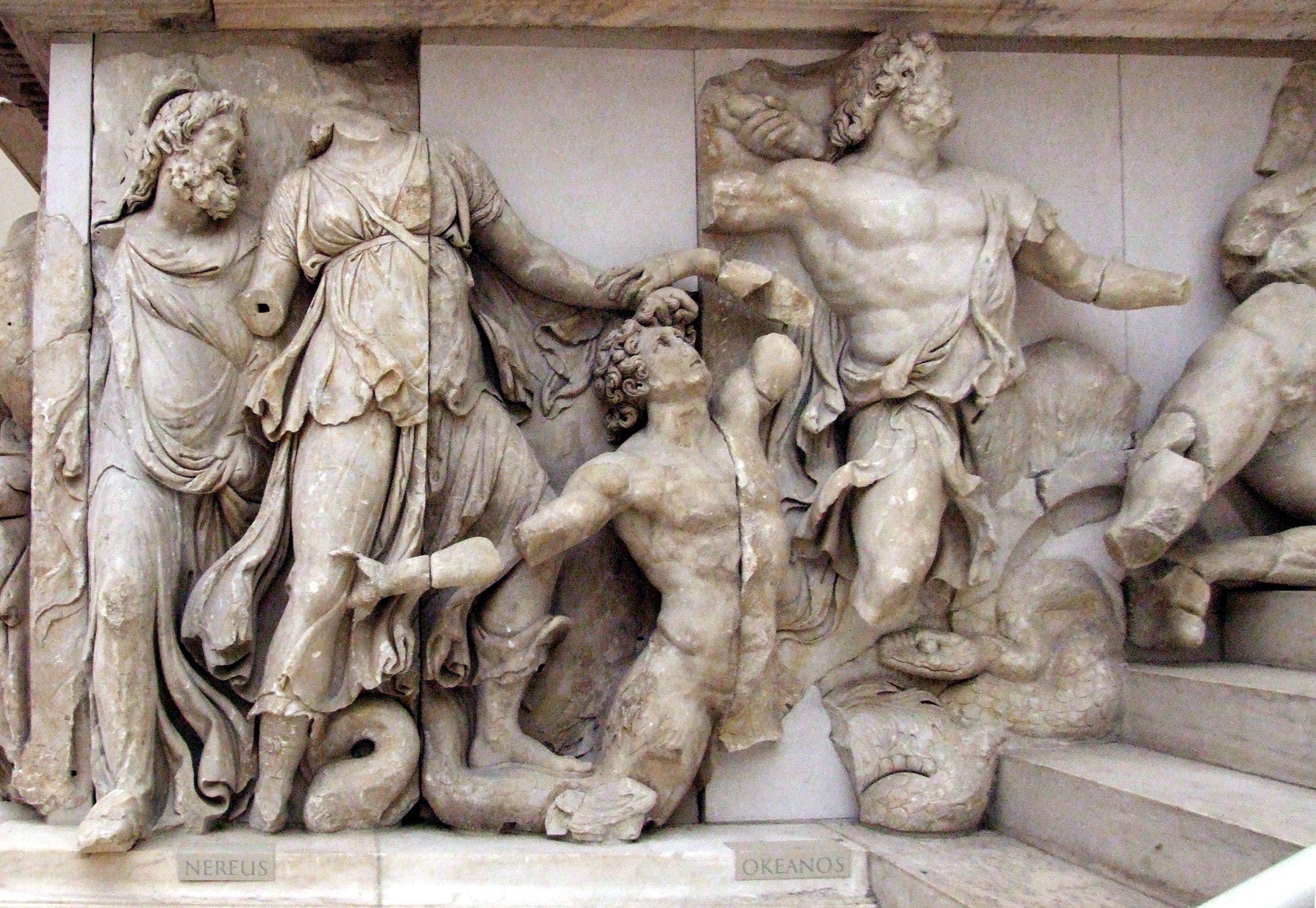 Ancient Gaia Statue océan ou océanos est un titan, fils d'ouranos et de gaïa