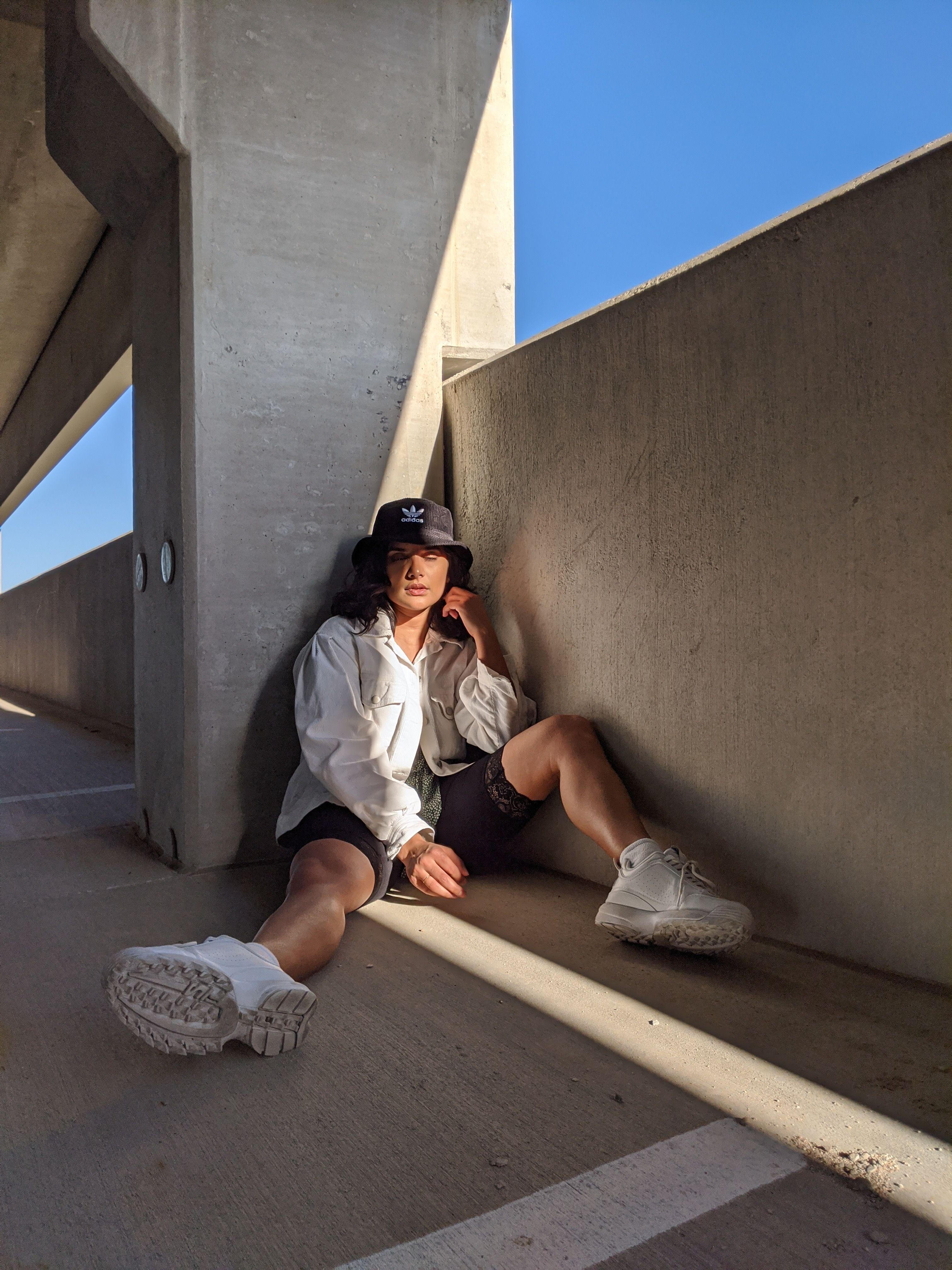 Photoshoot Ideas In 2020 Rooftop Photoshoot Fashion Photography Poses Street Fashion Photography
