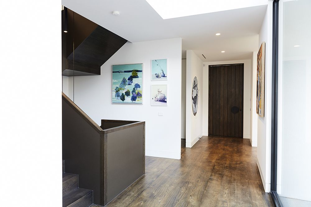 Best Stairs Feature Balustrade Bronze American Oak 640 x 480
