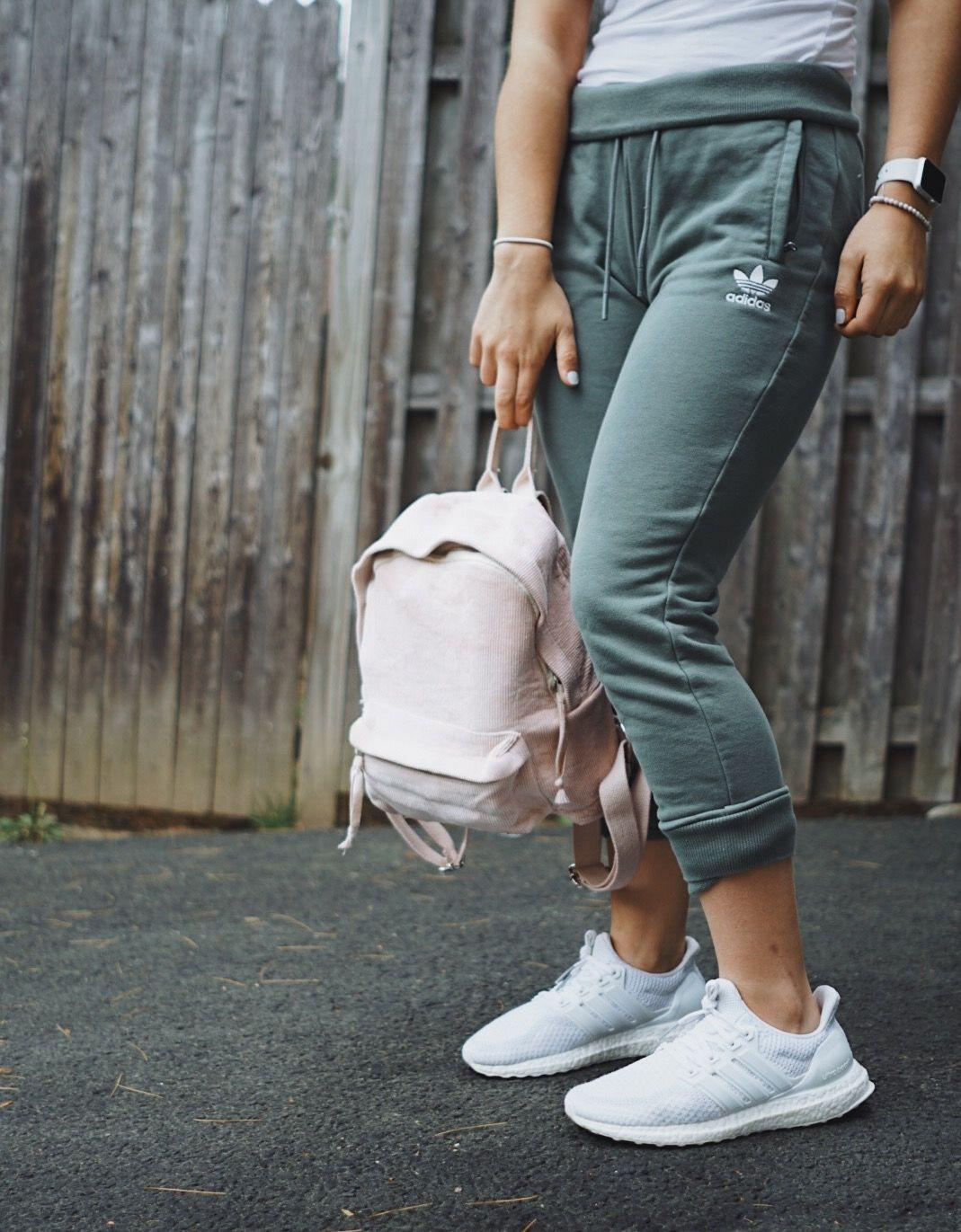 Sensación Conclusión Humorístico  adidas ultraboost 1.0 yeezy adidas women adidas outfit ideas adidas fashion  idea streetwear street… | Adidas yeezy women, Adidas outfit women, Adidas  joggers outfit
