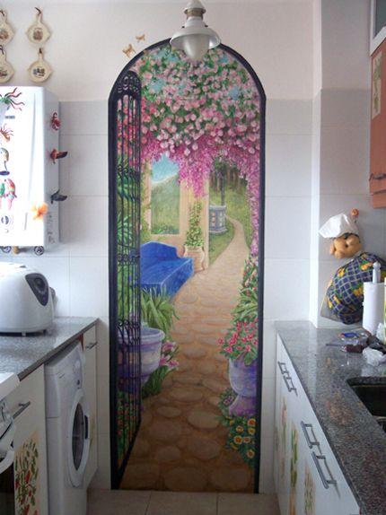 Tromp l´oeil mural in the kitchen Mural trampa al ojo de patio - murales con fotos