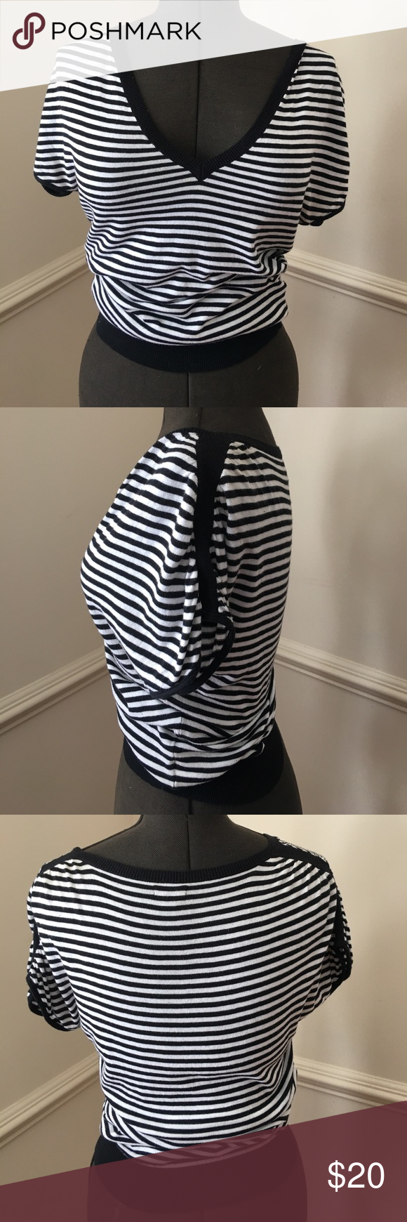 EXPRESS V NECK BLACK & WHITE STRIPE COTTON TOP EXPRESS V NECK BLACK & WHITE COTTON TOP WITH BLACK STROPE ON SHOULDERS Express Tops Blouses
