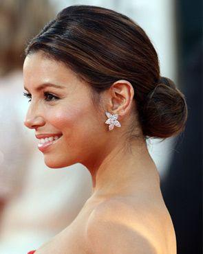 Eva Longoria Parker Celebrity Hair Tribes Handbag Com Indian Bun Hairstyles Side Bun Hairstyles Hair Styles