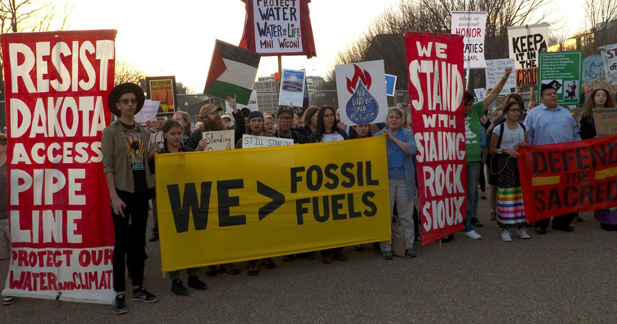 Nodapl Rally Outside The White House Sierra Club Offers Customized Protest Letters For Wf Clients As Well As The Usual Generic Wells Fargo Xl Pipeline Fargo