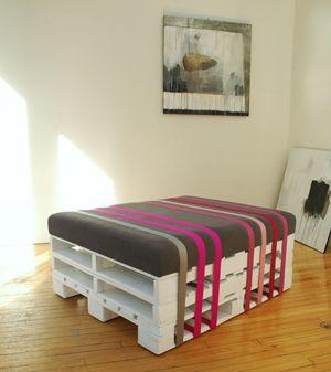 kreative palettenm bel selbstgebaute st hle und sessel aus europaletten wohntips pinterest. Black Bedroom Furniture Sets. Home Design Ideas