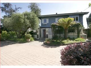 Rio Del Mar / Seascape, CA  2 br, 3 ba, 2,023 ft²  Single Family Residential. #property _in _sta _cruz #real _estate #sta _cruz