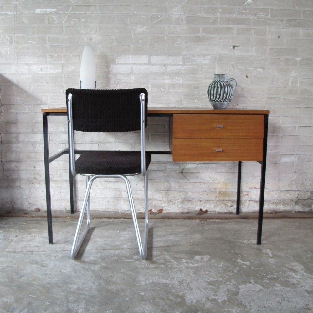Writing desk from the sixties by Pierre Guariche for Meurop