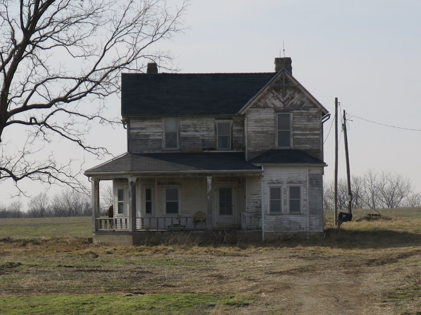 What is this style of farmhouse called? | Architecture in