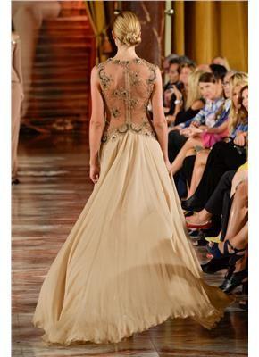 Η κρεμ απόχρωση  στην haute couture World of Fashion #haute couture F/W14-15  #gamos.gr #wedding #dress