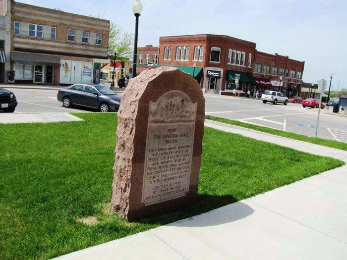 The Oregon Trail Beginning Marker | Oregon trail, Oregon, Oregon ...