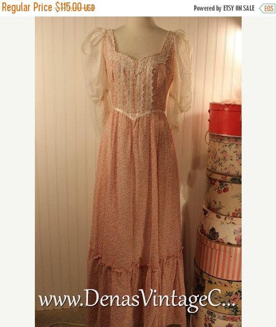 50% OFF SALE 70s Vintage Gunne Sax Boho Prairie Maxi Dress Burgundy and White Floral Print with Ruffles sz S