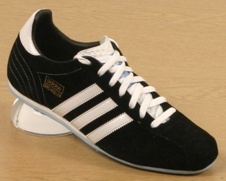 sports shoes c5df6 747b5 Adidas Gerd Muller. Suede Trainers, Pretty Shoes, Legends