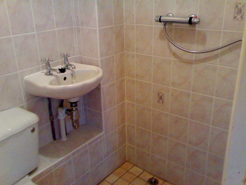 Small Wet Room Design #WheelchairBathroomDesigns >> Learn more at ...