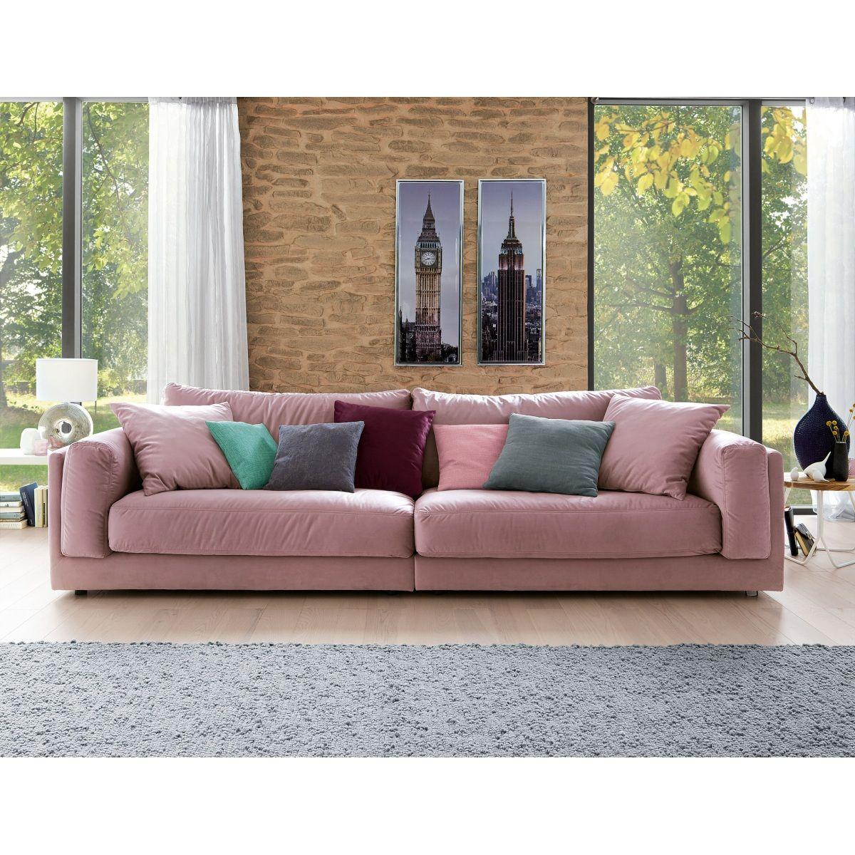 Das Bigsofa bietet neben einer riesigen Liegewiese ebenfalls einen modernen Farbklecks, der Ihr ...