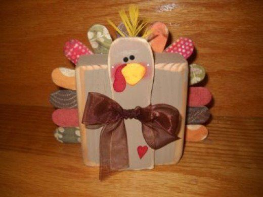Thanksgiving turkey crafts for kids, toddlers, preschoolers, kindergarten, adults to make.  Easy, turkey crafts ideas using paper bag, coffee filter, tp rolls, feathers, leaves, pine cones, pipe clean