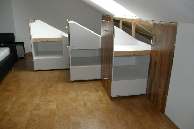 Projekt Kleiderschrank Fur Dachschrage Begehbarer Kleiderschrank Dachboden Wohnzimmer Dekor Rustikal
