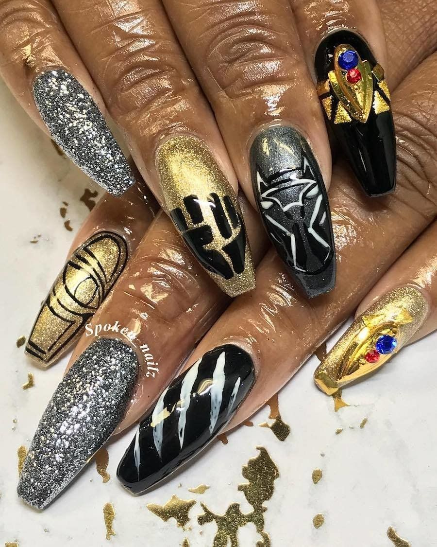This glitter and this gold is for queens only. | Nail salons